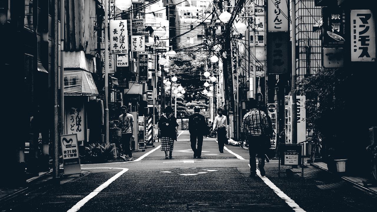 毕业后留在日本工作应该如何变更签证?